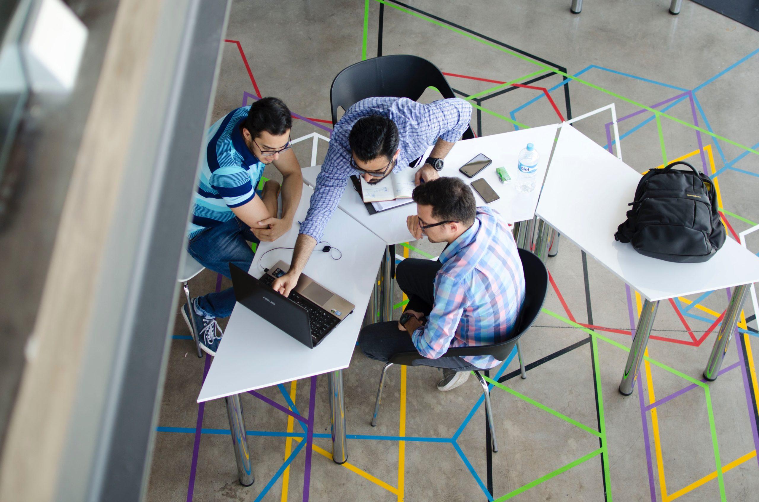 Networking, Netzwerk, Social Media, Werbung, Mundpropaganda, Empfehlungen